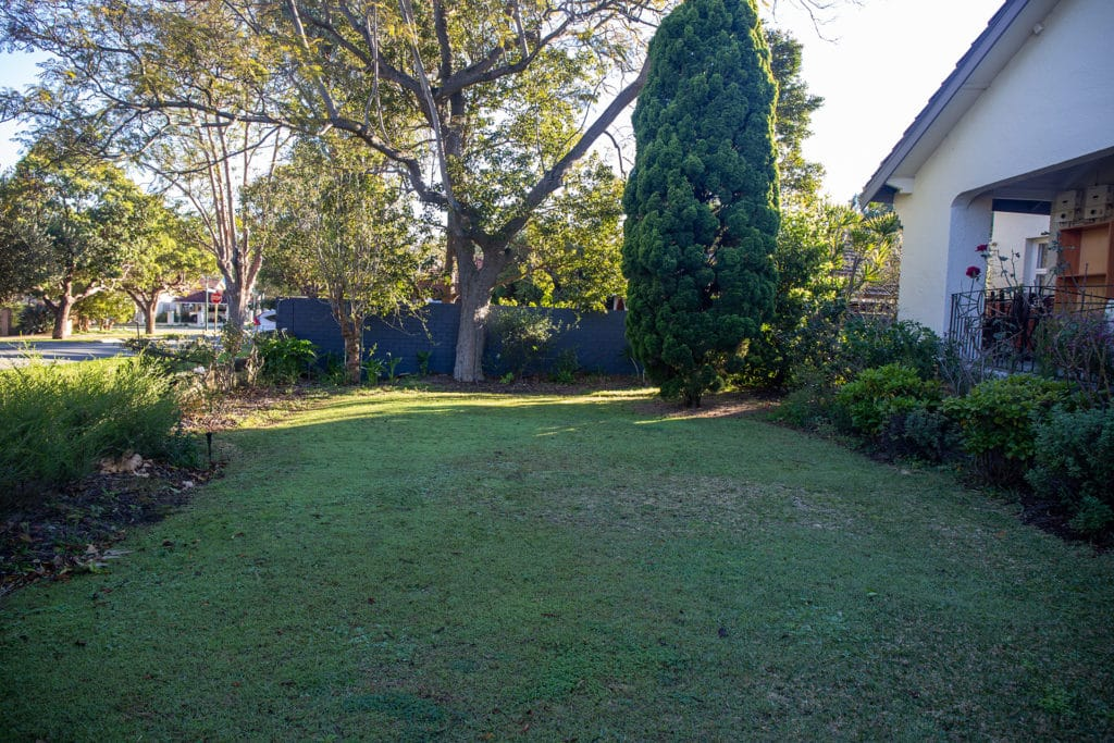 a photo of the Nedlands residence and garden before TDL service